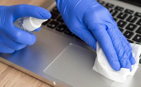 ¿Cómo limpiar la pantalla de mi computador en época de Coronavirus?